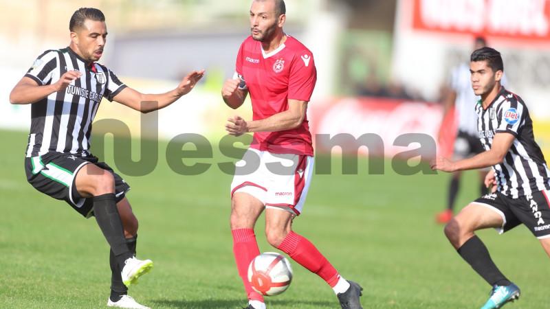 Photos de la 1ère Mi-temps entre le Club Sahel et le Club Sfaxien