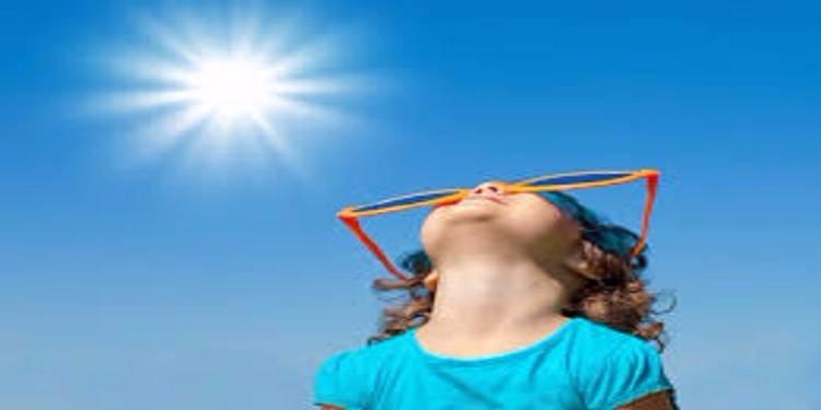 نصائح لتغذية طفلك وحمايته من حرارة الصيف