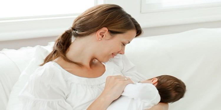 الرضاعة الطبيعية تحمي رضيعك من الموت المفاجئ