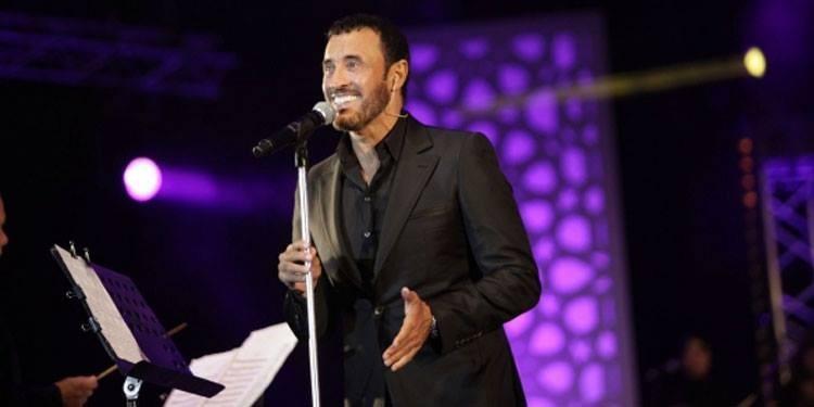 Kadhem Saher repousse les avances d'une admiratrice (vidéo)