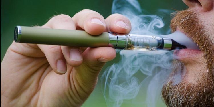 دراسة: السجائر الإلكترونية خدعة تخفي خطراً عظيماً