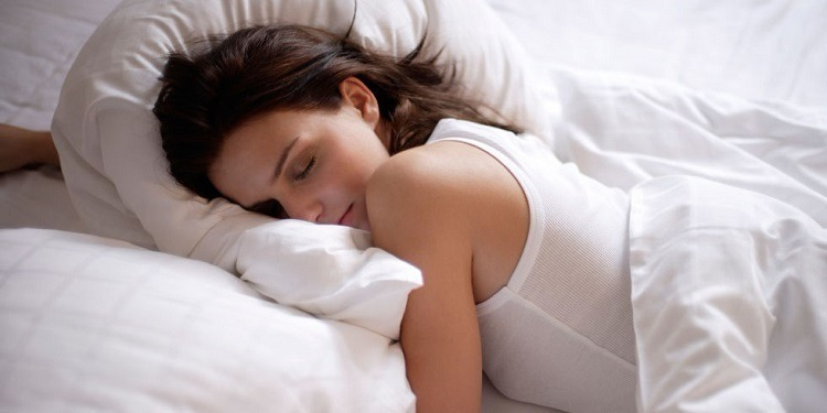 الطريقة المثالية للنوم وكيفية التدرّب عليها!