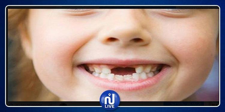 أسباب مهمة تجعلك تحتفظ بأسنان طفلك اللبنية بعد خلعها
