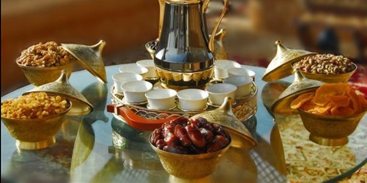أفكار بسيطة لتزيين مائدة الإفطار في رمضان