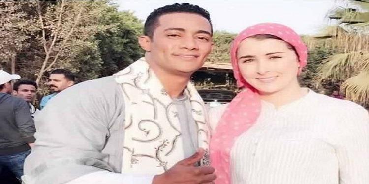لماذا تجاهلت عائشة بن أحمد بنت بلدها درّة في الترويج لمسلسلهما؟