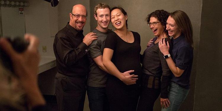 مارك زوكربيرغ سيصبح أبا