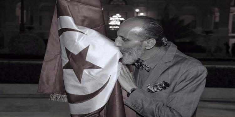 وفاة المصمم قيس التونسي