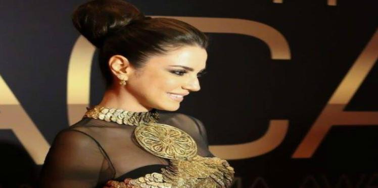 درة تتألق بحفل توزيع جوائز السينما العربية