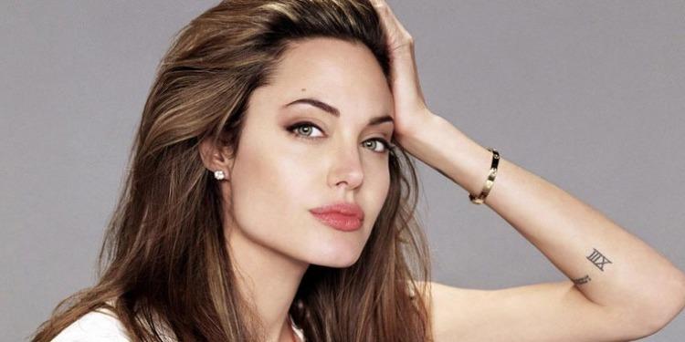 الزوج السابق لأنجلينا جولي يكشف أسباب طلاقهما!