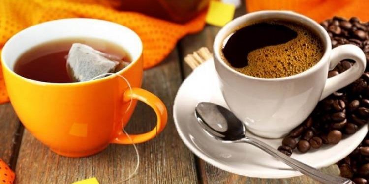 ما علاقة الشاي والقهوة بجفاف جسم الإنسان؟