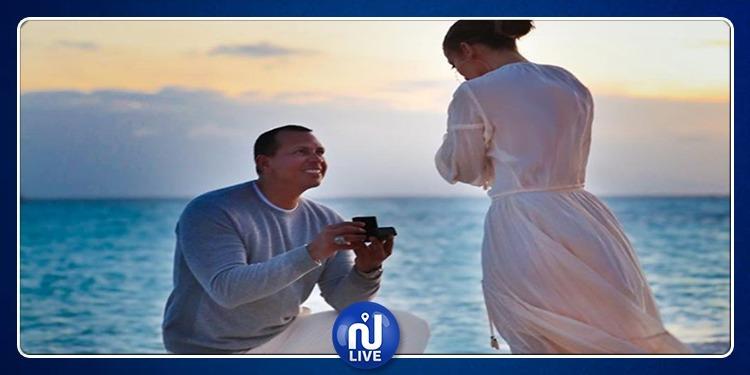 JLO dévoile les clichés de sa demande en mariage