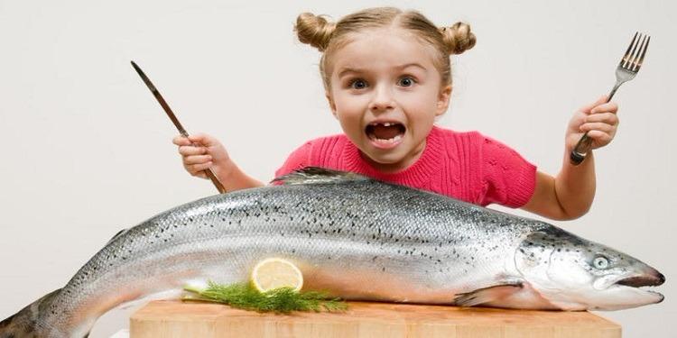 دراسة: تناول السمك يؤثر على نوم وذكاء الأطفال!