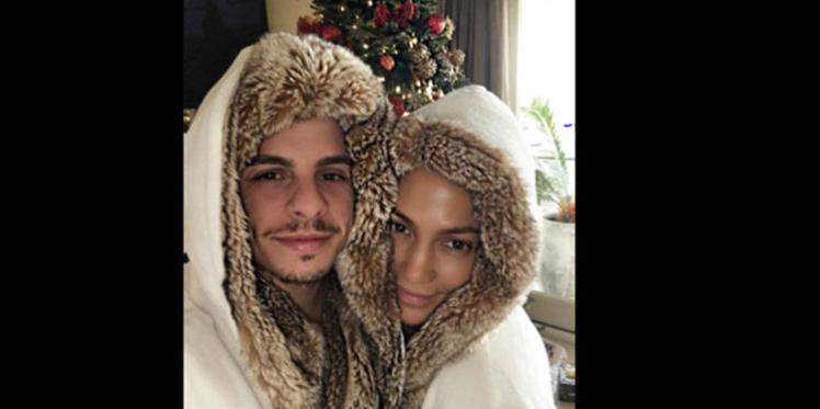 Jennifer Lopez et Casper Smart assortis pour Noël