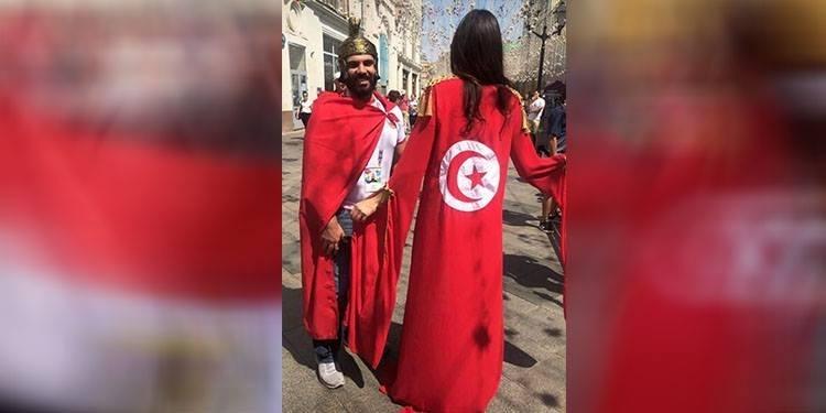 بهذه الإطلالة.. اختارت زوجة يوسف المساكني تشجيع المنتخب التونسي (صور)
