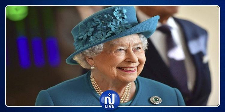 الملكة إليزابيث تطفئ شمعتها الـ93