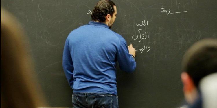 الأطفال يحاصرون سعد الحريري بأسئلة محرجة (صور+ فيديو )