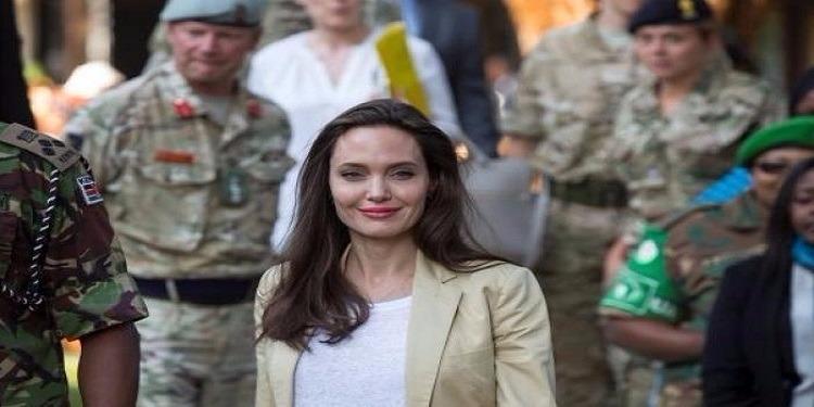 أنجلينا جولي تتعاون مع ''النّاتو'' لمكافحة العنف الجنسي