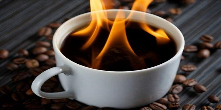 إحذر من شرب الشاي والقهوة شديدا السخونة!