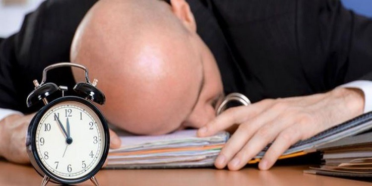 دراسة: الغفوة أثناء العمل ضرورية لنشاط الموظف