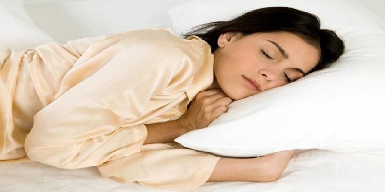 الأطعمة  الـ6 المساعدة على النوم (صور)