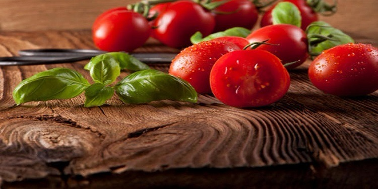 الطماطم تخفي التجاعيد وتحسّن المزاج