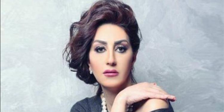 الممثلة وفاء عامر تطالب زملائها بعدم التصريح بأجورهم (فيديو)