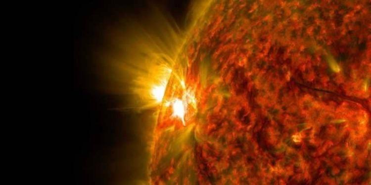 ماذا يحدث للشمس؟..هناك مخاطر صحية على رواد الفضاء