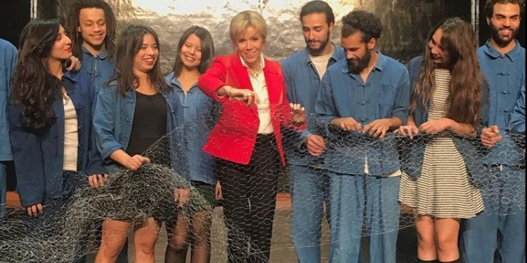 A Dar Alaïa : Brigitte Macron aux couleurs de la Tunisie et de Ezzeddine Alaïa (Photos)