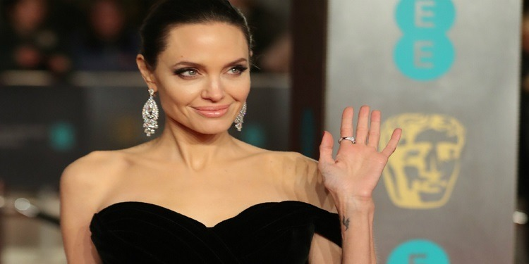 Angelina Jolie, méconnaissable sur Instagram (photo)