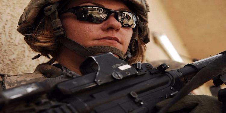 أمريكا: فضيحة وعقوبات لعناصر من مشاة البحرية بعد تداول صور عارية لنساء بالجيش على الفايسبوك