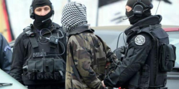 إيقاف 5 عناصر تكفيرية تابعين لكتيبة الفرقان بمدنين والكشف عن مخزن للأسلحة بجهة سوسة