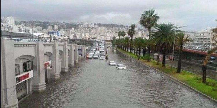 أمطار طوفانية تجتاح الجزائر