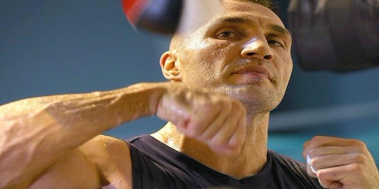 بطل العالم السابق فلاديمير كليتشكو يعتزل الملاكمة