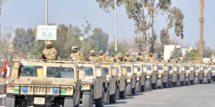 EI-Egypte: 52 djihadistes présumés et trois militaires tués