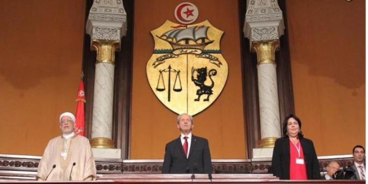 تأجيل النظر في مشروع القانون المتعلق بالمجلس الأعلى للقضاء وحديث عن إمكانية سحبه من قبل رئاسة الحكومة