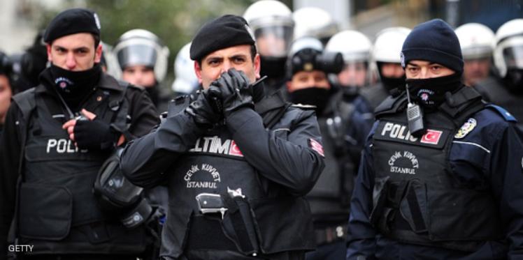 تركيا: اعتقال شخصين كانا يعدان لهجمات ليلة رأس السنة