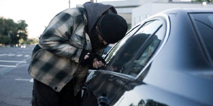 المرسى: تفكيك عصابة مختصة في سرقة السيارات