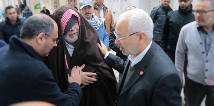 رافقه لمدة ثلاث سنوات: الشيخ راشد الغنوشي في أكودة لعزاء عائلة شهيد الأمن الرئاسي جمال عبد الجليل