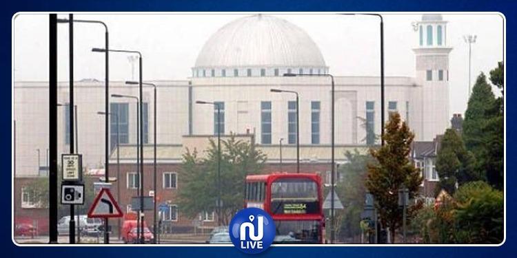 4 هجمات على مساجد في بريطانيا