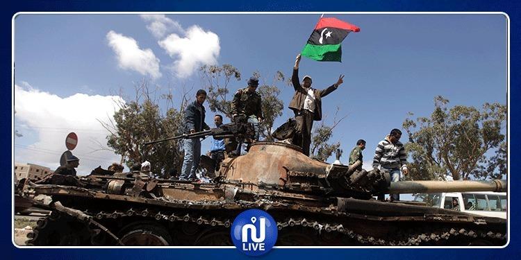 ليبيا: تواصل المعارك بطرابلس وحفتر يرسل سفينة حربية لميناء نفطي