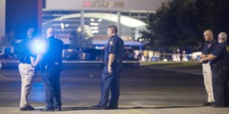 مسلح يقتل شخصين ويصيب تسعة آخرين في قاعة سينما جنوب الولايات المتحدة الأمريكية