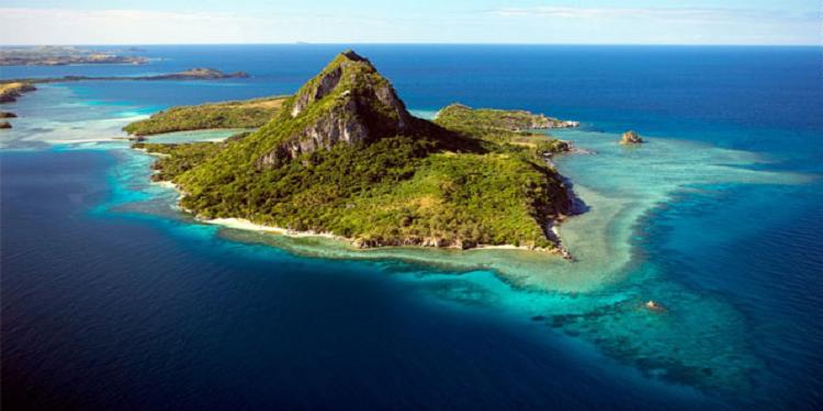 جزيرة للبيع بثمن في متناول الجميع