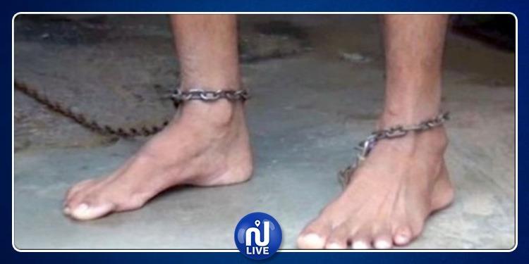 حي التحرير: يعنّف إبنه ويقيده بالسلاسل لأنه يعاني من إضطرابات عقلية