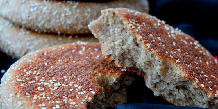 طريقة عمل خبز الشعير الصحي في البيت