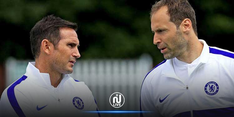 Insolite : Petr Cech (Chelsea) rechausse les crampons