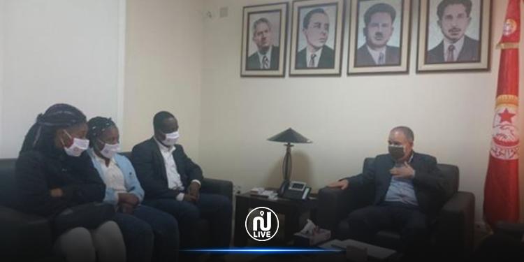 Pour la première fois dans le monde arabe et en Afrique, l'UGTT accorde des cartes d'adhésion à des travailleurs subsahariens en Tunisie