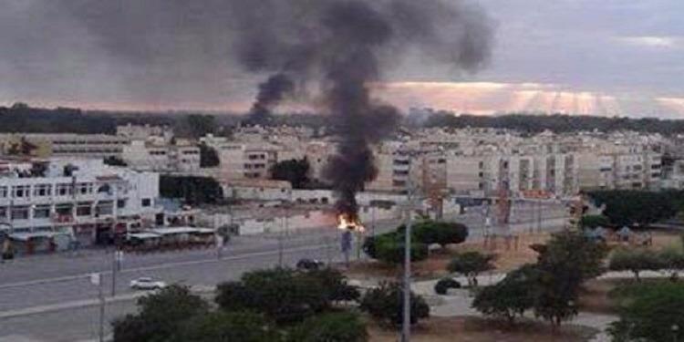 ليبيا : مقتل 22 شخص على الأقل وإصابة 29 آخرين في اشتباكات عنيفة