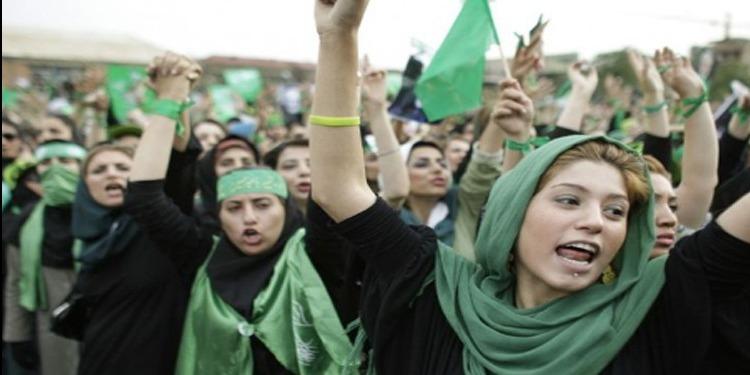 إيقاف 29 إيرانية كشفن عن رؤوسهن إحتجاجا على  قانون إجبارية إرتداء الحجاب