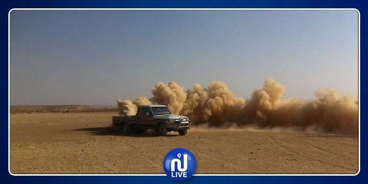 سيارات قطرية مسنودة بهيليكوبتر تجوب الصحراء والرابطة تستنكر (فيديو)