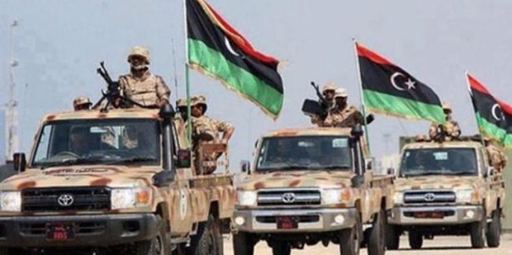 تدفق عسكري غير مسبوق على الحدود الليبية التونسية